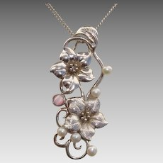 Beautiful Flowers & Cultured Pearls Sterling Silver Pendant - Spinning Flowers
