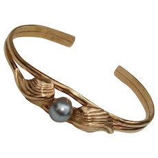 Lovely Blue Tahitian Pearl Gold over Sterling Vermeil Cuff Bracelet, Vintage 1980's