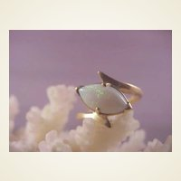 Pretty 14k Opal Ring/size 4 3/4