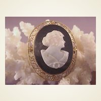 Vintage 14k Filigree Cameo/Onyx/Shell Pin