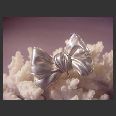 Vintage Sterling Bow Watch pin
