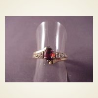 Vintage 14k Garnet with Diamond Chips/Size 6 1/4