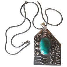 Vintage Mexican Sterling Silver Modernist  Pendant Green Malachite and Chain