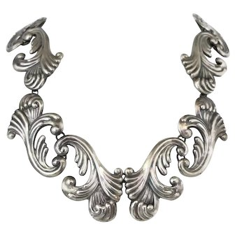 1940's Los Castillo Feathers Repousse Sterling Silver Taxco Mexican Necklace