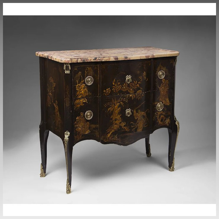 Beau 19th C. French Louis XV Style Chinoiserie Laquered Commode