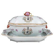 18th Century Chinese Export Covered Lion Rampant Armorial Tureen With Matching Stand
