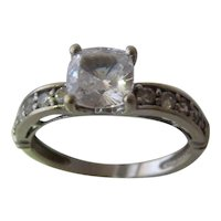 14K White Gold Cubic Zirconia Ring Size 9
