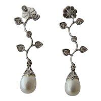 Elegant Long 18K White Gold Earrings w/ Pearl & Diamonds