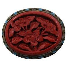 Chinese Carved Cinnabar Flowers Enamel Vermeil Pin Mid 1900s