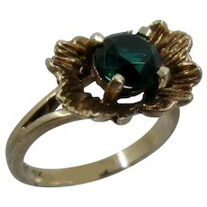 "10K YG ""Emerald"" Green Stone w/ Leaves Ring Sz 6"