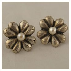 Japanese 950 Silver Pearl Flower Earrings Screw Back