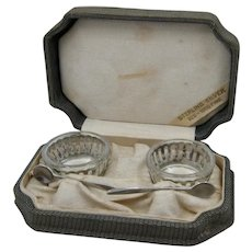 Set 2 Webster Sterling & Crystal Salt Dishes in Fitted Box