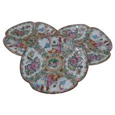 Set 3 1800s Chinese Export Rose Medallion Plates Lobed Quatrefoil