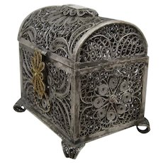 Vintage 800 Silver Filigree Casket Hinged Footed Box