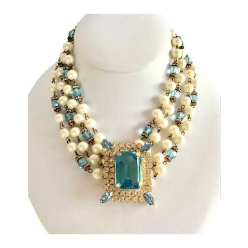 Rare Adele Simpson Book Piece Imitation Pearl and Aquamarine Glass Necklace