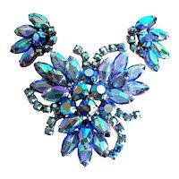 Vintage Juliana DeLizza & Elster blue art glass brooch & earring set