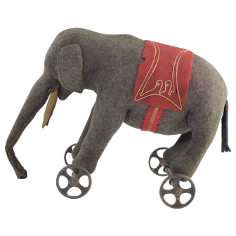 Antique Steiff Elephant on Metal Wheels Pull Toy c1910-1920 Excellent Condition