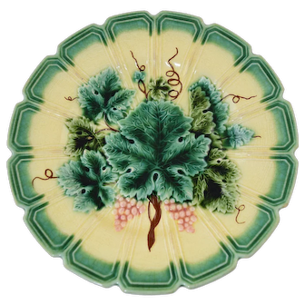 Antique Sarreguemines Majolica Grape Leaf Plate 8 7/8""