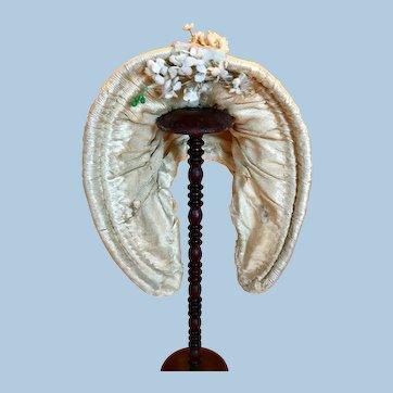 Antique Beige Silk Wired Bonnet