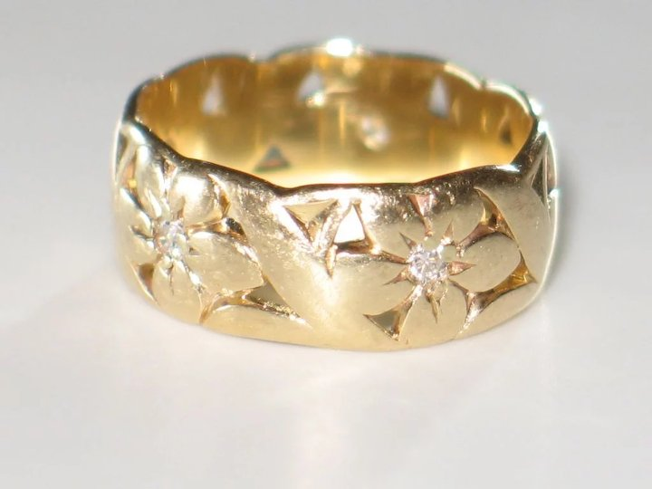 Artcarved Wide Vintage Wedding Band With Diamonds And 14k Yellow Gold Ring Flower Motif