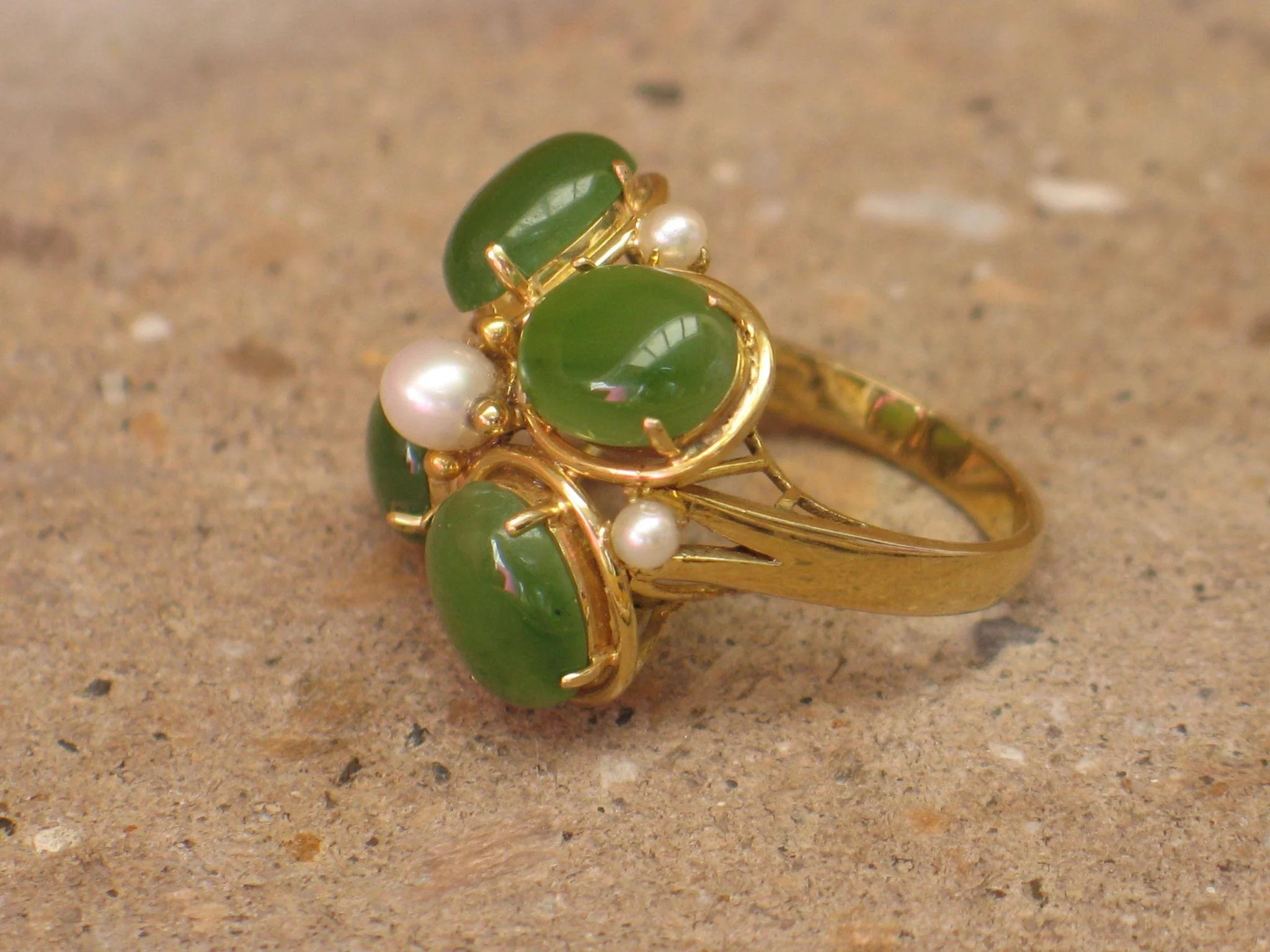 Large Vintage Jade Cocktail Ring With Pearl In 14k Yellow