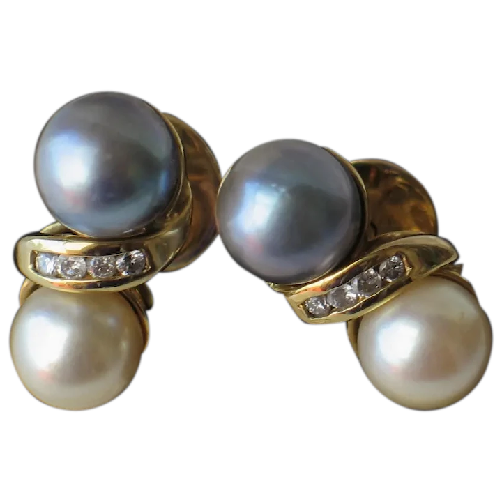 Natural Cultured Pearl Post Earring