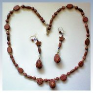 Glittering Sandstone Necklace & Matching Pierced Earringss