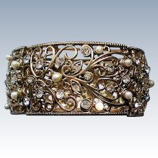 Rhinestone and Faux Pearl Link Stretch Cuff Bracelet