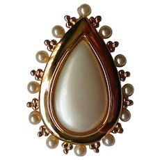 Stunning Faux Pearl Tear Drop Brooch / Pendant Combination