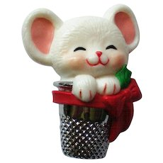 Hallmark Mouse in Thimble Pin for Christmas Holidays