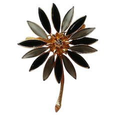 Corocraft Daisy Flower Brooch by Coro