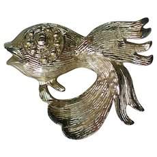 Petite Gold tone Fish Pin