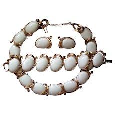 "Book Piece Crown Trifari ""Bolero"" Necklace, Bracelet and Earrings"