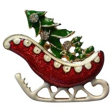 Christmas Sleigh with Christmas Tree Pin