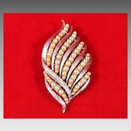 Fantastic Corocraft Faux Pearl Leave Brooch Pin