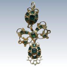 Pendeloque Emerald Pendant