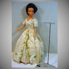 Rare French Bella Tressy Doll in Pompadour Outfit, 1967-68