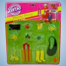 Mattel NRFC Barbie Finishing Touches Shoes & Bags, 1982