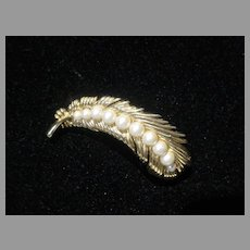 """Vintage Trifari """"Gold Tone"""" and Faux Pearl Brooch, 1960's"""
