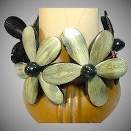 Large Resin Flower Stretch Bracelet, 1990's