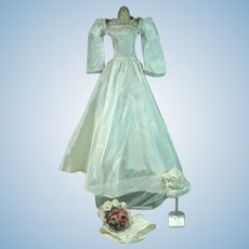 Exquisite 1940's Doll Wedding Gown in White Taffeta w/Accessories