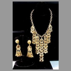 1970's Goldtone Collar Necklace w/ Dangle  Clip On Earrings