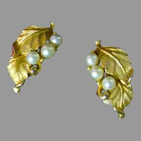 Delicate Pennino Clip-on Faux Gold and Pearl Earrings, 1960's