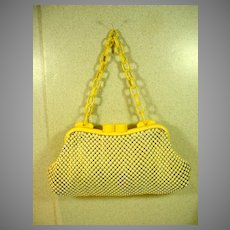 Unusual Whiting and Davis Mesh Purse with Bakelite Frame