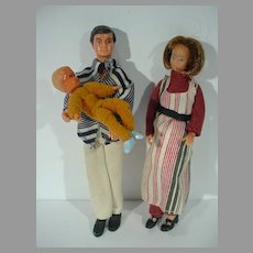1970's Doll House Family with Pregnant Mother