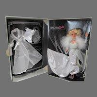 NRFB Silver Screen Barbie FAO Schwarz Ltd. Ed, Mattel, 1993