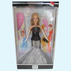 NRFB Collector Edition Mattel Society Girl Barbie, The Style Set