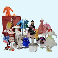 VIntage Maddie Mod Fashion Doll w/wardrobe and Trunk, 1960's-70's, Mego