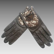 Christian Dior Brown Leather Logo Driving Gloves. 1970's.