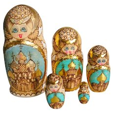 Russian Matryoshka Nesting Dolls Hand Painted 5 pc Set